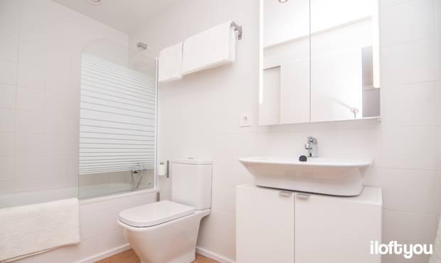 Un bany pr ctic y bonic s possible i loft you interior design - Muebles low cost ...