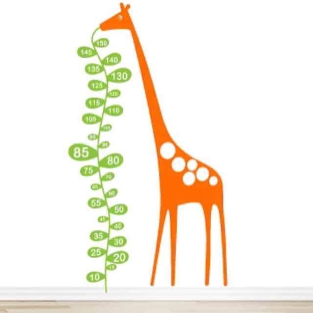 Y para la sala de juegos... Una jirafa medidora :) #proyectosantcugat #myvinilo #lowcost #interiorismo #interiordesign