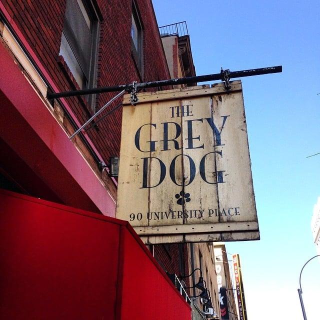 Si visitáis #NYC os recomiendo muchísimo que vengáis a #thegreydog a saborear sus deliciosas hamburguesas!