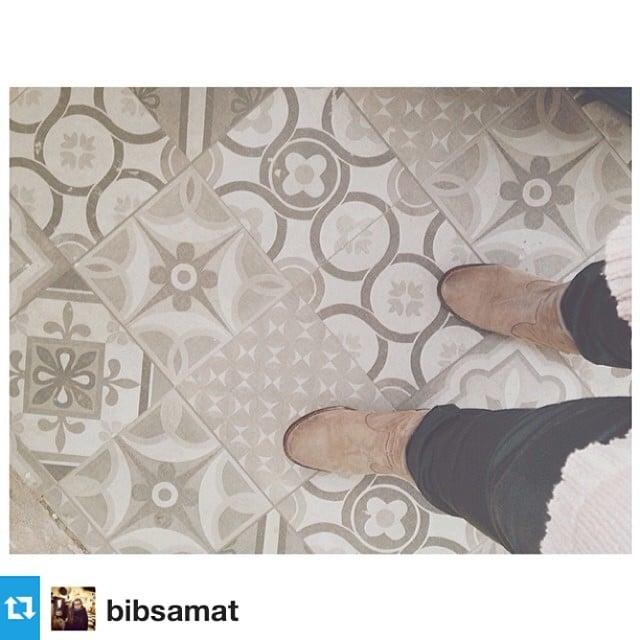 @bibsamat está como loca con las baldosas de la cocina del #proyectoLesCorts! :) @iloftyou Repost from @bibsamat with @repostapp