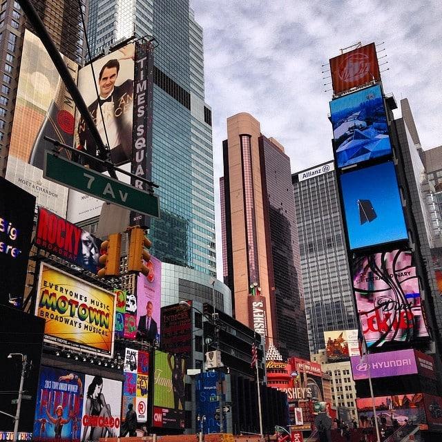 Saboreando nuestro último día en #NYC! #timessquare #madrehija #estoseacaba #escapada