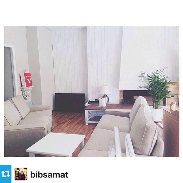 #Repost de @bibsamat! Hoy, @bibsamat está sola ante el peligro en la primera parte del montaje del #proyectosantaamelia por @iloftyou ! SUERTE!  #ikea #interiordesign #lowcost #interiorismo #salon