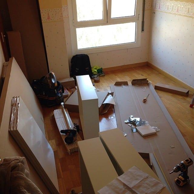 Esta tarde estamos en #Girona montando el dormitorio infantil del #proyectogirona