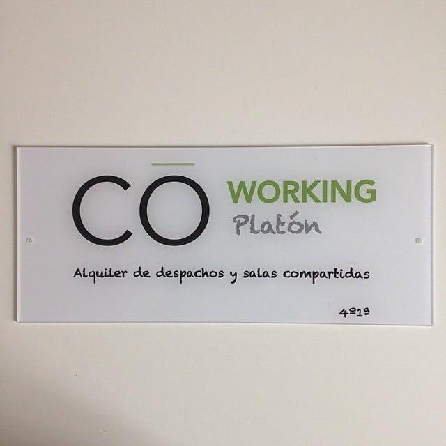 Comenzamos el montaje del #proyectoplaton! BUENOS DÍAS!! #ikea #lowcost #interiorismo #coworking #platon #interiordesign #iloftyou @iloftyou