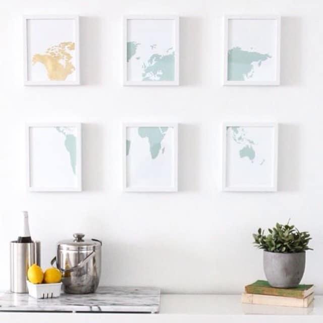 Idea mona para decorar tus paredes con un mapa-mundi y los marcos #ribba en blanco de #ikea