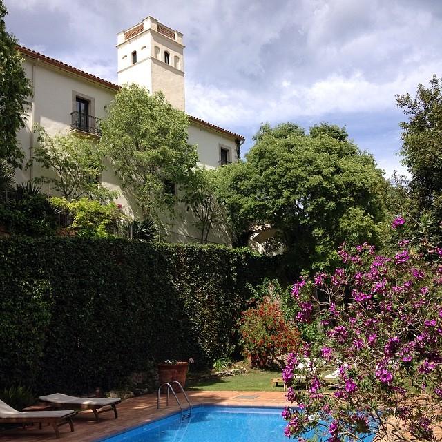Hoy nos hemos paseado por el hotel #ElConvent en #Begur. Una preciosidad! Os lo recomiendo