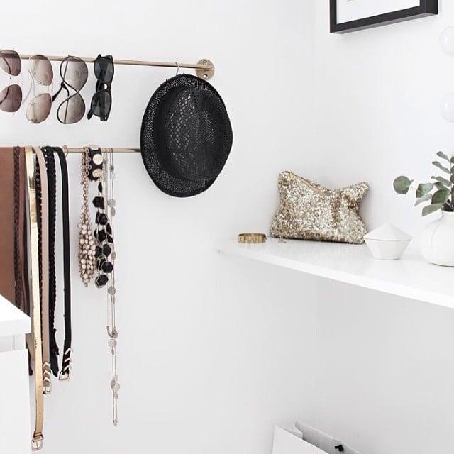 ¿O las barras de cocina #bygel como organizador de gafas y cinturones en tu vestidor? #ikea