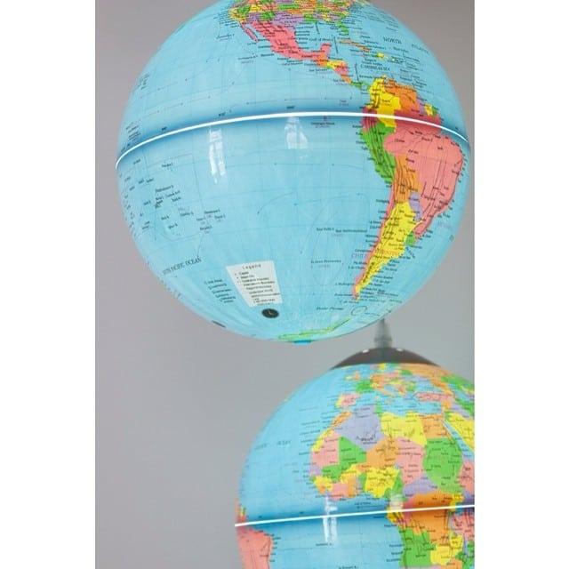 ¡Y con las lámparas-globo del #proyectoplaton os deseo un fantástico finde! #natura #globelamp #lowcost #lampara @iloftyou