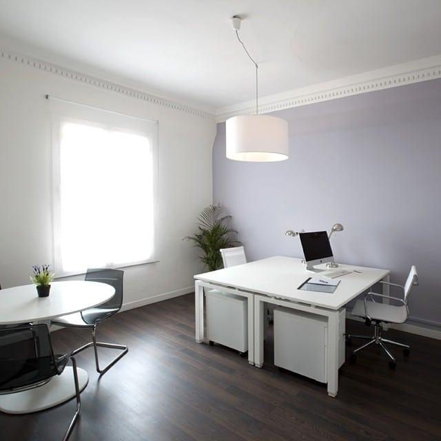 Hoy os muestro el despacho azul del #coworking #platon  #ikea #lowcost #interiorismo #interiordesign #office #oficina #despacho #apple #mac