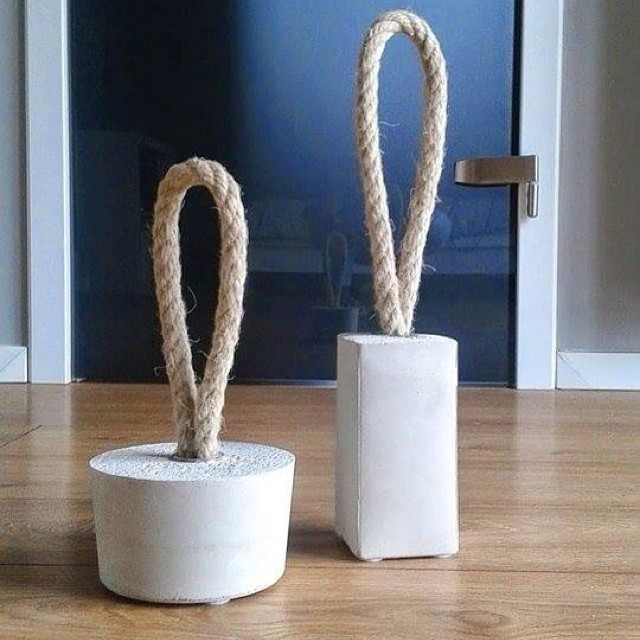 ¡Nos gusta! Haz tus propios pesos para puerta con cuerda y barro/cemento