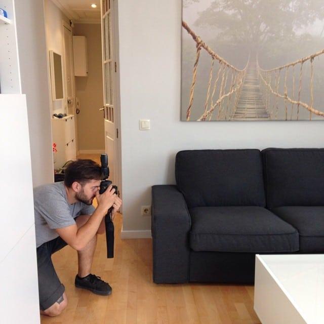 ¡@lookerphotography en acción! Hoy, sesión de fotos en la #cocinaLaGarriga y en el #proyectoindustria #ikea #interiorismo #interiordesign #lowcost #apartment @iloftyou