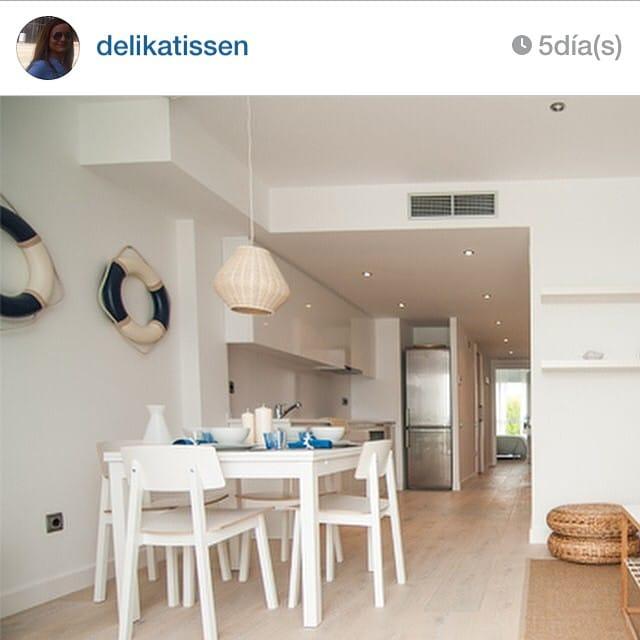 ¡El #proyectositges protagonista, una vez más, de un artículo en un blog de interiorismo nórdico! ¡Qué ilusión! www.delikatissen.com @delikatissen